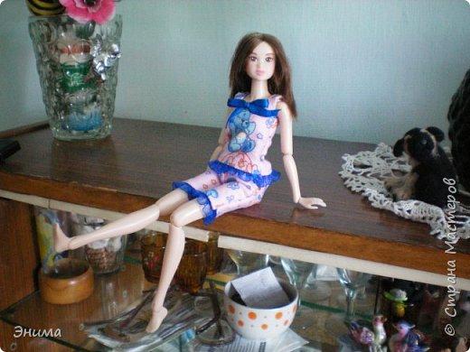 Привет всем! Я с новенькой. Назвали Китти. Очень милая девочка с человеческими пропорциями, поэтому шить на неё одно удовольствие. Из детского флиса сшила Китти такую пижамку. фото 7