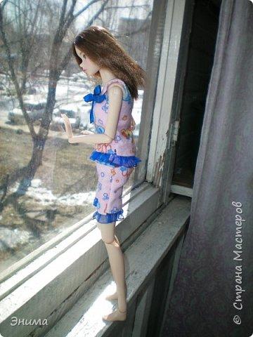 Привет всем! Я с новенькой. Назвали Китти. Очень милая девочка с человеческими пропорциями, поэтому шить на неё одно удовольствие. Из детского флиса сшила Китти такую пижамку. фото 14
