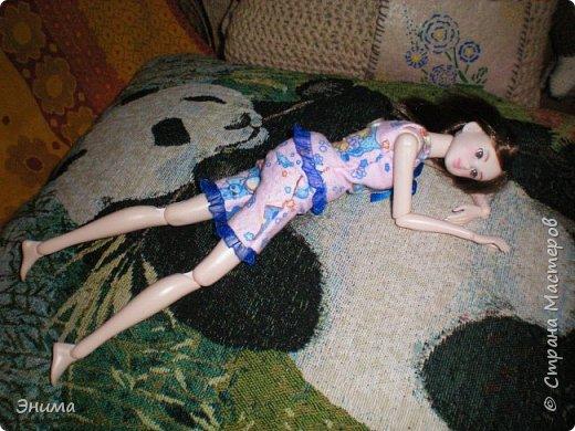 Привет всем! Я с новенькой. Назвали Китти. Очень милая девочка с человеческими пропорциями, поэтому шить на неё одно удовольствие. Из детского флиса сшила Китти такую пижамку. фото 15
