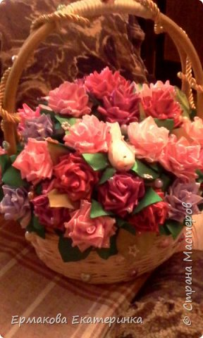 35 роз из атласной ленты (2,5 см) фото 5