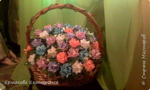 35 роз из атласной ленты (2,5 см) фото 1