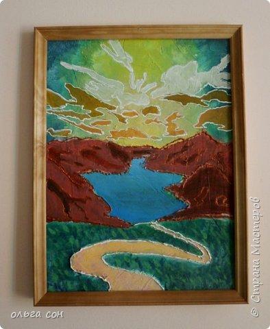 """Декоративное панно """"Пейзаж"""" Ошаровой Анны 9 класс. Работа 30х40. Основа работы ДВП, нанесён слой моделирующей пасты, покрыто красками (акрил), изображения из сухоцветов. фото 2"""