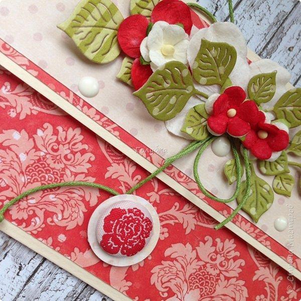 """В последнее время полюбила Fleur Базовую шебби-шик:), но тут кусочки еще из коллекции """"наша свадьба"""", лист """"в саду"""" Вот пара конвертов из неё, красный и сиреневый. фото 2"""