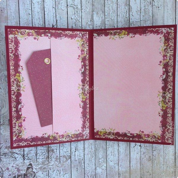 """В последнее время полюбила Fleur Базовую шебби-шик:), но тут кусочки еще из коллекции """"наша свадьба"""", лист """"в саду"""" Вот пара конвертов из неё, красный и сиреневый. фото 15"""