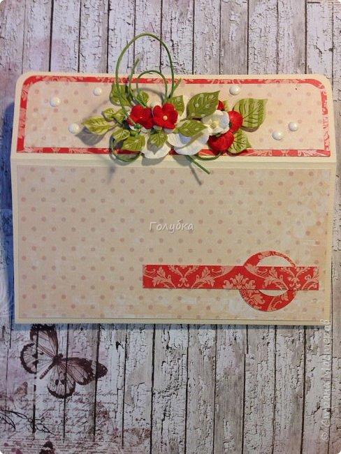 """В последнее время полюбила Fleur Базовую шебби-шик:), но тут кусочки еще из коллекции """"наша свадьба"""", лист """"в саду"""" Вот пара конвертов из неё, красный и сиреневый. фото 4"""