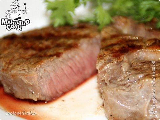 Стейк из мраморной говядины. Ах этот райский запах жареной говядины, который всех нас сводит с ума. Наша семья мясоедов, от мала до велика всему предпочитает кусочек мяса.  Представляем рецепт приготовления отличного стейка рибай. фото 1