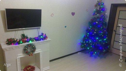 Всем привет) На Рождество тоже решила сделать в нашу квартирку фальш камин! Сделать то сделала, а выложить все никак руки не доходят! Наконец дошли) Жду критики) фото 1
