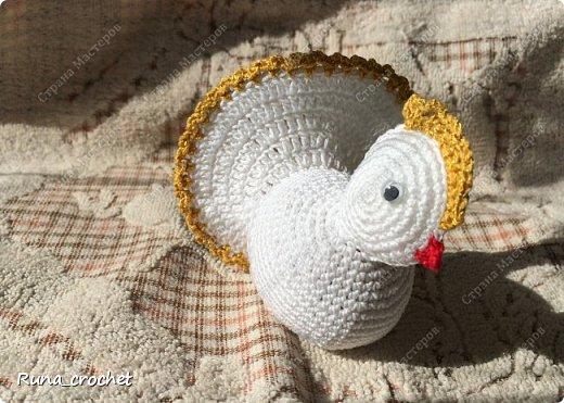 Для вязания Вам потребуется пряжа Сосо VitaCotton белого цвета, крючок 1,5 и пряжа для отделки.  фото 17