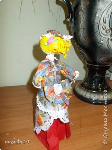 Это моя первая куколка. Лицо нарисовала только ей ,далее лиц не рисую - мне так больше нравится.  фото 4
