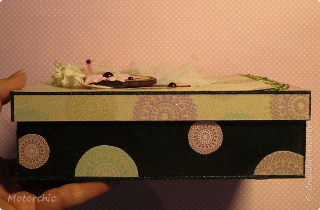 """На День Рождения подруги-рукодельницы решила ей подарить коробочку/шкатулку/сокровищницу для ее сокровищ (рукодельных или нет, - решать уже ей самой,в любом случае, для женщины шкатулка никогда лишней не будет). Разумеется, не пустую, я ее наполнила различными рукодельными """"сокровищами"""" =) фото 11"""