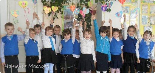Работы четвероклассников. Открытки-сердечки к 8 марта. Цветы выполнены по идеи Татьяны Просняковой. В её блоге подробный мастер класс. фото 19