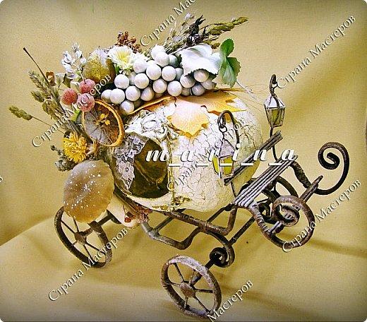 Уже давно в восторге от конфетных карет Елены Франскевич, и в октябре с сыном решили соорудить свою сказочную карету средних размеров (36*25*36см) для так полюбившейся нам Золушки. фото 5