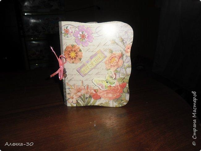 Всем добрый день. В следующую субботу грядет юбилей моей свекрови. Сделала ей подарок который будет состоять из 3 частей. Но открытку закружу позже поскольку она в процессе создания. )))) Ну а теперь смотрим. )))))))))))))))))) фото 5