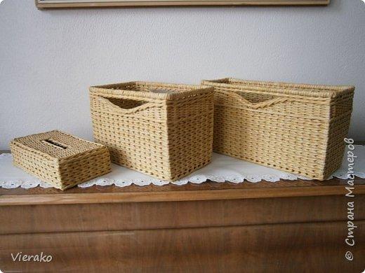 Коробки в полку и салфетница фото 1