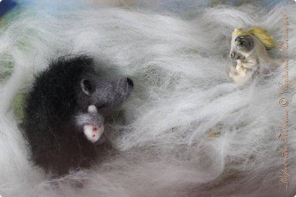 """Сегодня я покажу свой магнитик """" Ёжик в тумане"""". Он сделан в технике валяния. Я очень давно не валяла, но вот на меня недавно напало желание снова взяться за старую, добрую технику, которую я за последнее время сильно полюбила.  фото 6"""