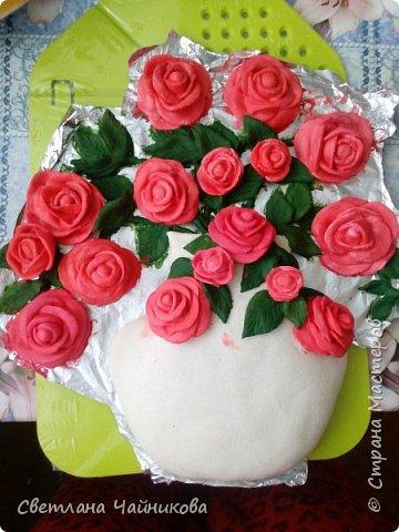 Почему так сладко пахнут розы, Принося сумятицу в сердца?  Аромат цветов рождает грезы,  Душу будоражит без конца. фото 6