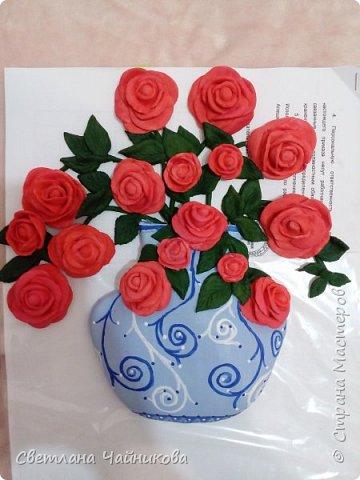 Почему так сладко пахнут розы, Принося сумятицу в сердца?  Аромат цветов рождает грезы,  Душу будоражит без конца. фото 7