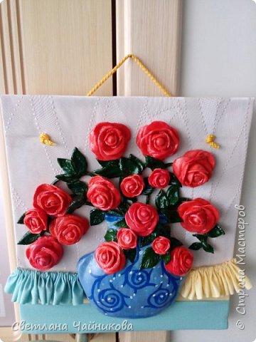 Почему так сладко пахнут розы, Принося сумятицу в сердца?  Аромат цветов рождает грезы,  Душу будоражит без конца. фото 11