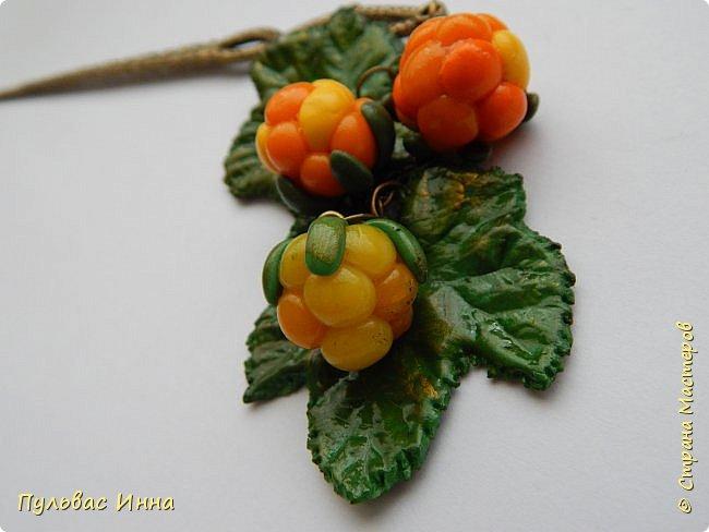 Захотелось мне опять что-нибудь сделать такое ягодное....люблю я наши северные ягоды. Вот и наделала разных заколочек для волос. фото 9