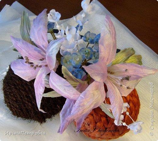 Веночек - украшение для головы. Лилии из ткани.