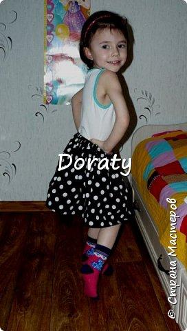 """Приветствую всех! За последние полгода гардероб моей дочери пополнился обновками бренда """"сделано мамой"""". И решили мы с дочкой провести фотосессию и показать вам наши обновки. Любуйтесь.  Летний сарафан. фото 5"""