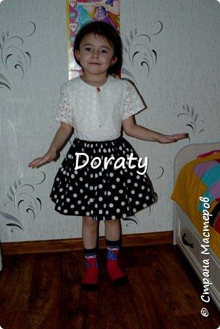 """Приветствую всех! За последние полгода гардероб моей дочери пополнился обновками бренда """"сделано мамой"""". И решили мы с дочкой провести фотосессию и показать вам наши обновки. Любуйтесь.  Летний сарафан. фото 6"""