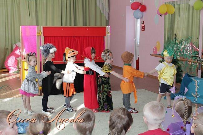 """Всем здравствуйте! Хочу поделиться с Вами своими эмоциями...они """"льются"""" через край....В детском саду, прошедшая неделя, была НЕДЕЛЯ ТЕАТРА. Дали задание родителям, чьи дети участвуют в спектаклях, подготовить костюм, согласно своим ролям. Мне с сыном выпала честь представлять роль МУРАВЬЯ из сказки Сутеева """"Под грибом""""...Да, хочу сказать, дело не из простого... как придумать, что сделать? Но, посидев и подумав, придумала вот такой костюм...Сшила брючки, кофтёнку, шапочку с усиками и получился муравьишка.... фото 10"""