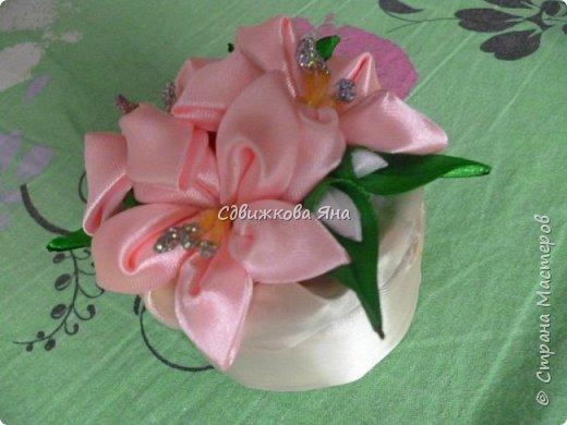 Привет, жители Страны! Я хотела бы представить вам мою шкатулку, украшенную цветами  канзаши фото 3