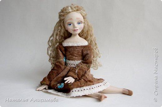 Добрый день! Сегодня я к Вам с новой куколкой. Подвижная, интерьерная кукла ручной работы. Голова, кисти рук и ножки до колена - La Doll, тельце текстильное.  фото 4