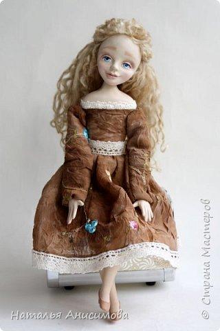 Добрый день! Сегодня я к Вам с новой куколкой. Подвижная, интерьерная кукла ручной работы. Голова, кисти рук и ножки до колена - La Doll, тельце текстильное.  фото 3