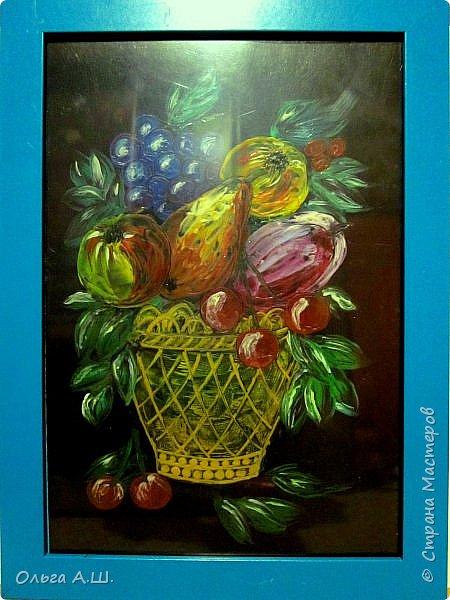 "Натюрморт ""Корзинка с фруктами"". Формат А4. на черном картоне. фото 3"