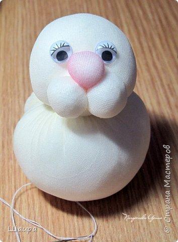 Продолжаем делать игрушки с детьми.  Пасхальный кролик. Маленький - 9 см до ушек, ушки 9 см. фото 10