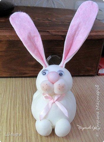 Продолжаем делать игрушки с детьми.  Пасхальный кролик. Маленький - 9 см до ушек, ушки 9 см. фото 1