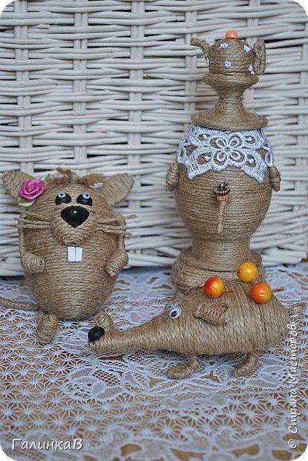 """Добрый день, дорогие жители Страны! Сегодня у меня дебют! Сделала первые игрушки из джута. До этого использовала джут только для декора новогодних подарков. А вдохновили и сподвигли меня на такой """"подвиг"""" работы Оли (Nola29) - http://stranamasterov.ru/user/332712. Вот собственно что у меня получилось! фото 1"""