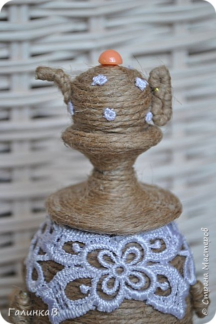 """Добрый день, дорогие жители Страны! Сегодня у меня дебют! Сделала первые игрушки из джута. До этого использовала джут только для декора новогодних подарков. А вдохновили и сподвигли меня на такой """"подвиг"""" работы Оли (Nola29) - http://stranamasterov.ru/user/332712. Вот собственно что у меня получилось! фото 12"""