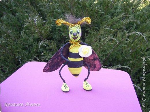 Всем жителям замечательной страны огромный привет!!!!!сегодня я к вам со своей пчелкой труженицей ))))она целый бочонок набрала меда))))вот так труд!и так приглашаю вас всех на чашечку чая с медом)))))))))))))))))))))))))))))Будьте здоровы!!!!!!!!!!!!!!!!!!! фото 3