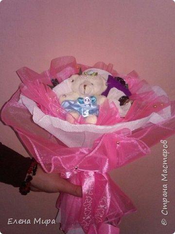 Корзина с подарками (внутри подарков халва(разных видов),шоколад и 2 коробочки заполненные конфетами). Подарок командиру на Новый год. Он у нас очень любит халву. фото 19