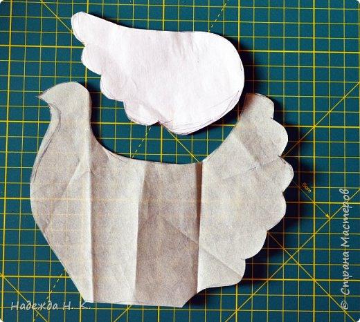 """Здравствуйте, доброго времени суток! Сегодня я предлагаю вам посмотреть, как можно сделать к Пасхе вот такую нехитрую поделку в технике папье-маше. Небольшая """"серебряная"""" вазочка в виде курочки  будет неплохим подарком для ваших друзей и близких. фото 8"""