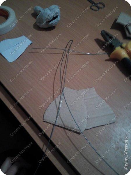 Всем привет.Продолжаю свой рассказ, о том, как я создавала портретную куколку в фантазийном наряде.По наряду и образу будет отдельный пост.Как я делала лицо, тут  http://stranamasterov.ru/node/1013558  .И, чтобы не повторяться , принцип работы с гипсом и микроволновкой тут: http://stranamasterov.ru/node/908705  Материалы: пластилин, у меня скульптурный, вазилин, гипс, микроволновка, ткань, синтепон, двусторонний скотч, проволка, иголки, нитки, краски гуашь, пва, автомобильный лак, керапласт или дарви рок. фото 27
