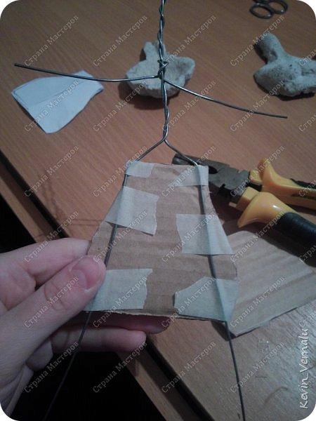 Всем привет.Продолжаю свой рассказ, о том, как я создавала портретную куколку в фантазийном наряде.По наряду и образу будет отдельный пост.Как я делала лицо, тут  http://stranamasterov.ru/node/1013558  .И, чтобы не повторяться , принцип работы с гипсом и микроволновкой тут: http://stranamasterov.ru/node/908705  Материалы: пластилин, у меня скульптурный, вазилин, гипс, микроволновка, ткань, синтепон, двусторонний скотч, проволка, иголки, нитки, краски гуашь, пва, автомобильный лак, керапласт или дарви рок. фото 32