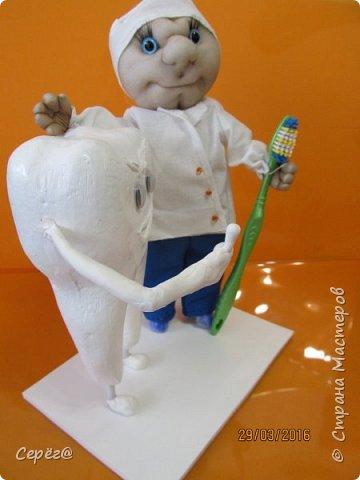"""Всем привет. На эту поделку сподвиг """"капитальный ремонт"""" зубов. Вот решил стоматологам презент изготовить. Ну и получилось, что получилось. фото 2"""