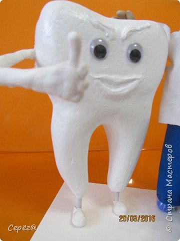 """Всем привет. На эту поделку сподвиг """"капитальный ремонт"""" зубов. Вот решил стоматологам презент изготовить. Ну и получилось, что получилось. фото 3"""