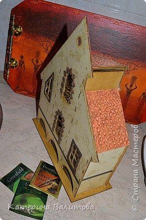 Здравствуйте дорогие мастерицы!Налюбовавшись чайными домиками,сделанными мастерицами нашей страны,я тоже приобрела заготовки и украсила их. фото 3