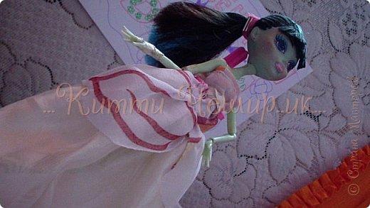 Привет!Мы сдаем эту  работу на конкурс ''Весенний бал Беатриче'!  В ВК наше платье оценили так :1/10 Но оно так задумано! фото 6