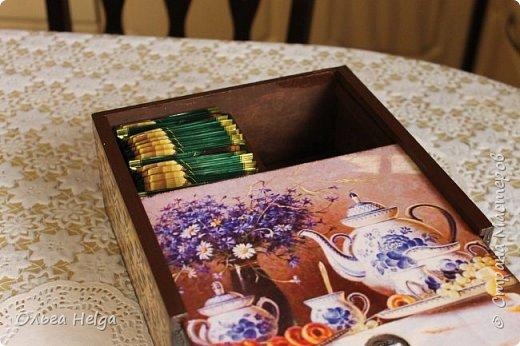 Доброго дня мастера и волшебники! Сделался домик для чайных пакетиков. Признаться честно, не люблю я чай из пакетиков, но ведь бывает и пакетированный чай пью. А как оказывается приятно, когда у него есть красивое жилище, уютное и домашнее. Не люблю я все эти коробки штатные. Вот что получилось: фото 9