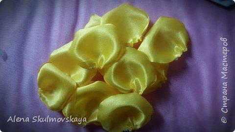розы из атласных лент фото 11