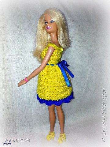 Друзья, я и Эль приветствуем вас!  И спешим поделиться радостью: вот такое платье крючком связалось по МК от Мирабела))) Правда, я его немножко переделала под свою барбейку (она оказалась потолще). фото 2