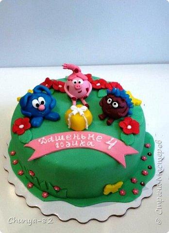Вот такой яркий с пряничками получился у меня тортик на годовасие одной очень миленькой девчушке ))) фото 20