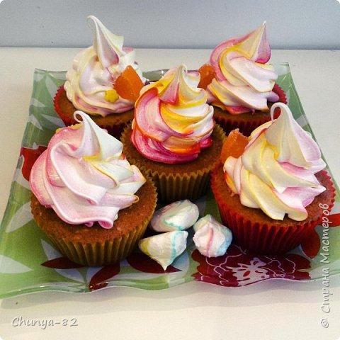 Вот такой яркий с пряничками получился у меня тортик на годовасие одной очень миленькой девчушке ))) фото 15