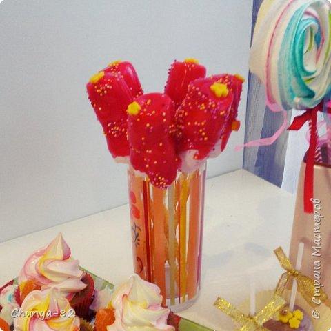 Вот такой яркий с пряничками получился у меня тортик на годовасие одной очень миленькой девчушке ))) фото 14